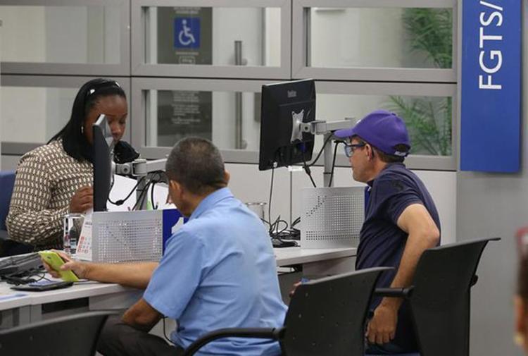 Caixa pagou R$ 355,2 milhões para trabalhadores na Bahia - Foto: Fabio Rodrigues Pozzebom l Agência Brasil