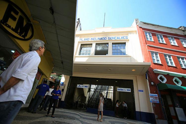 Feto foi encontrado próximo ao Plano Inclinado - Foto: Joá Souza / Ag. A TARDE