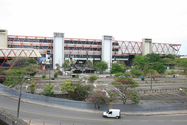 Comissão vai investigar a responsabilidade sobre o desabamento de parte da estrutura física do equipamento - Foto: Edilson Lima l Ag. A TARDE l 27.09.2016