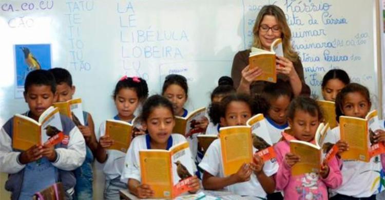 Crianças deverão ter acesso desde cedo a conteúdos de português e matemática - Foto: Elza Fiuza | Arquivo | Agência Brasi
