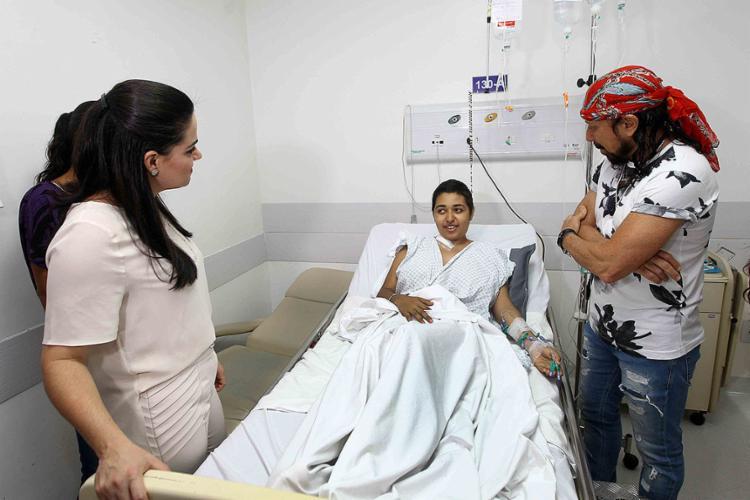 Pacientes do Aristides Maltez receberam a visita de Aline Peixoto e do cantor Bell Marques nesta quinta-feira, 6 - Foto: Pedro Moraes l Gov-BA