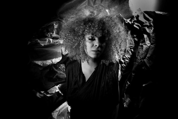 A cantora paulista Anelis Assumpção faz participação neste sábado - Foto: José de Holanda | Divulgação