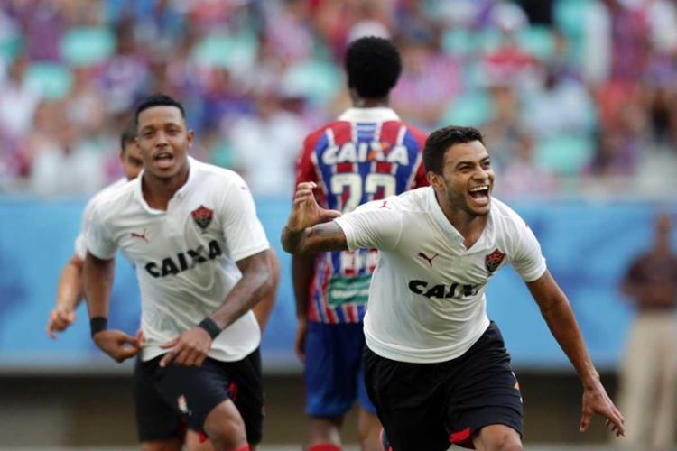 Cleiton Xavier comemora muito o primeiro gol marcado por ele no Ba-Vi - Foto: Raul Spinassé | Ag. A Tarde