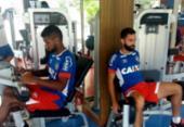 Jogadores do Bahia tentam