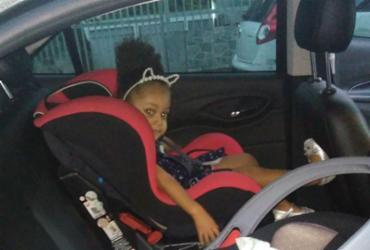 Conforto e diversão para as crianças dentro do carro