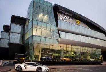 Lamborghini inaugura sua maior concessionária em Dubai