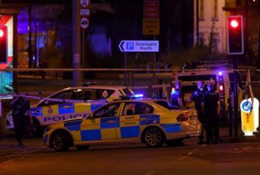 Polícia confirma mortes após relato de explosão em show no Reino Unido