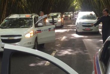 Carreata de taxistas contra a Uber já dura mais de 5h em Salvador