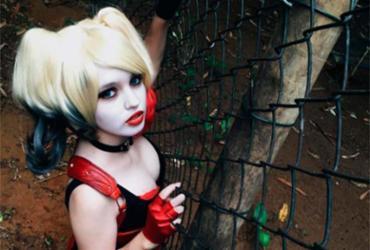 Evento celebra Dia do Orgulho Nerd com desfile de cosplayer na Barra