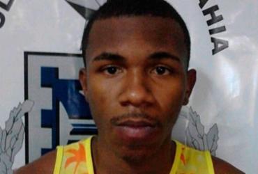 Suspeito é preso após ser baleado durante tentativa de assalto
