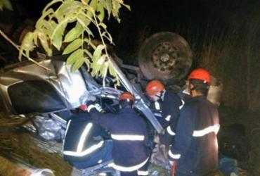 Acidente com carretas deixa um morto e quatro feridos na Bahia