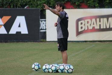 Petkovic testa mudanças no time titular do Vitória
