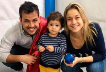 Fernanda Gentil publica foto com ex-marido e escreve sobre criação do filho