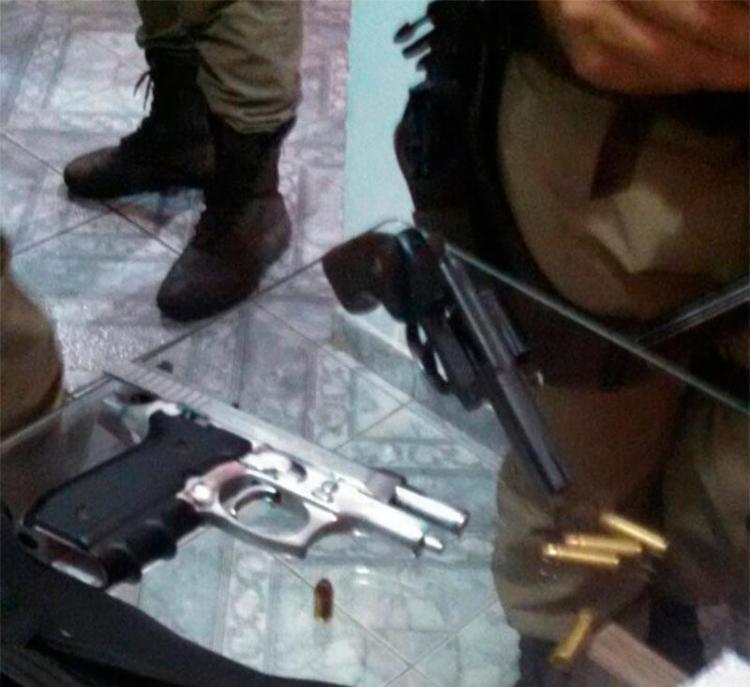 Suspeito fez a família de refém durante fuga de cerco policial - Foto: Divulgação   SSP