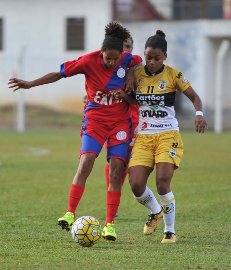 O São Francisco (tricolor) foi derrotado pelo Kindermann por 4 a 0 na última rodada - Foto: Angélica Lüersen / Allsports / Divulgação