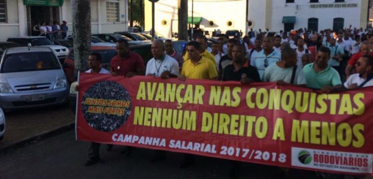 Impasse durante a negociação com patrões levou categoria a aprovar estado de greve - Foto: Anderson Sotero | Ag. A TARDE | 11.05.2017