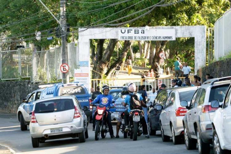 Mototaxista foi morto em campus da Ufba, na Federação - Foto: Mila Cordeiro | Ag. A TARDE