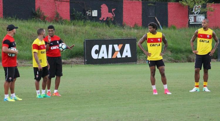 Wesley começou a definir time para a estreia no Brasileirão - Foto: Divulgação l EC Vitória