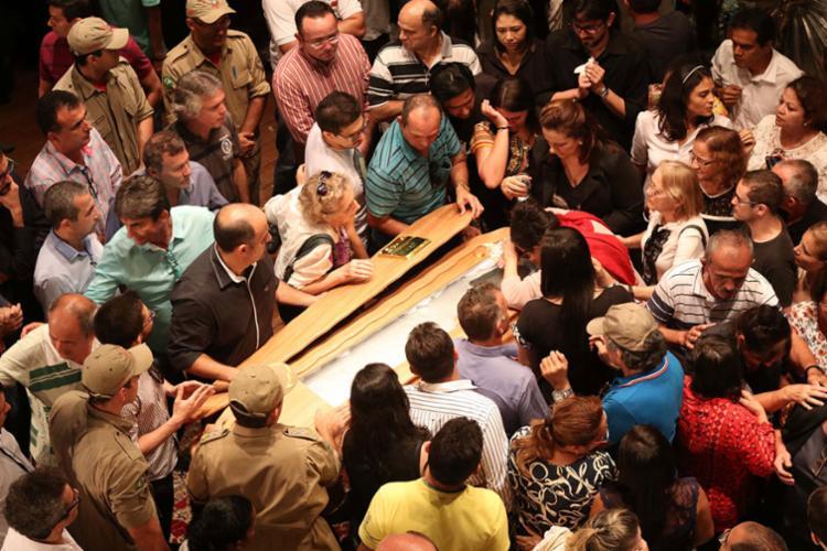 Despedida em Sobral reuniu multidão de fãs, parentes e amigos - Foto: Wellington Macedo | Futura Press | Estadão Conteúdo
