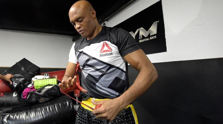 Anderson Silva reclamou também do tratamento diferenciado dado a alguns atletas - Foto: Alexandre Loureiro | Inovafoto