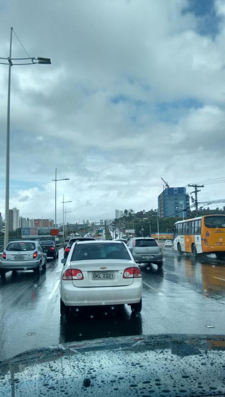 Trânsito está complicado na altura do Extra - Foto: Reprodução | Iloma Sales