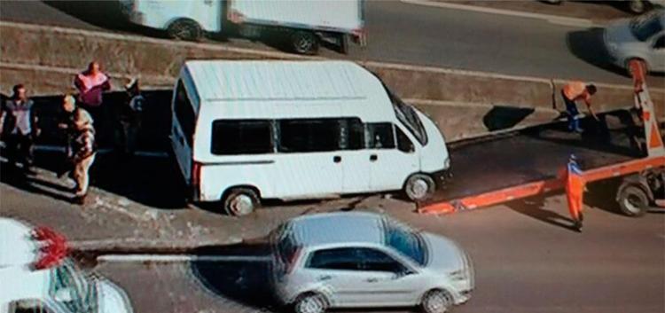 Acidente aconteceu na altura de Porto Seco Pirajá - Foto: Reprodução   TV Record