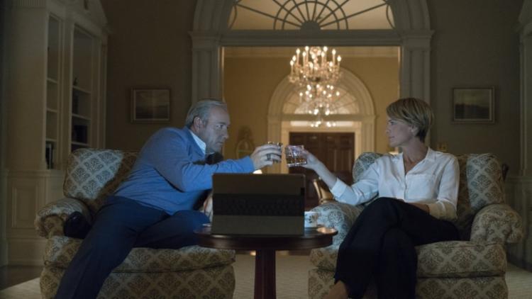 Os atores Kevin Spacey e Robin Wright estrelam a série - Foto: Netflix   Divulgação