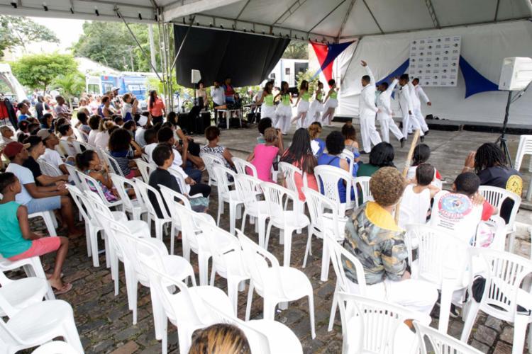 No local, foram oferecidas atividades de lazer, cursos, oficinas e serviços diversos - Foto: Mila Cordeiro   Ag. A TARDE