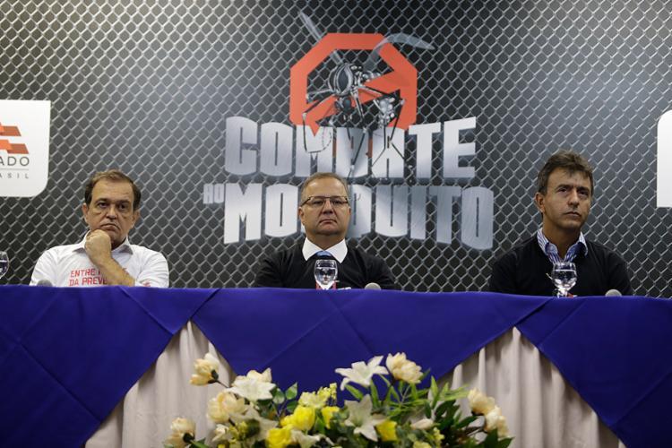 Os secretários Walter Pinheiro, Fábio Vilas-Boas e André Curvello no lançamento - Foto: Raul Spinassé l Ag. A TARDE