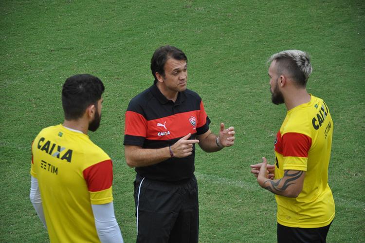 Dejan Petkovic comandou dois treinamentos desde que assumiu o papel de novo técnico do Leão - Foto: Maurícia da Matta l EC Vitória