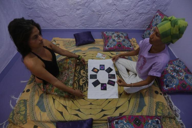 A casa AmarEla, em Itapuã, abriga cursos, vivências e feira de orgânicos - Foto: Adilton Venegeroles / Ag. A TARDE