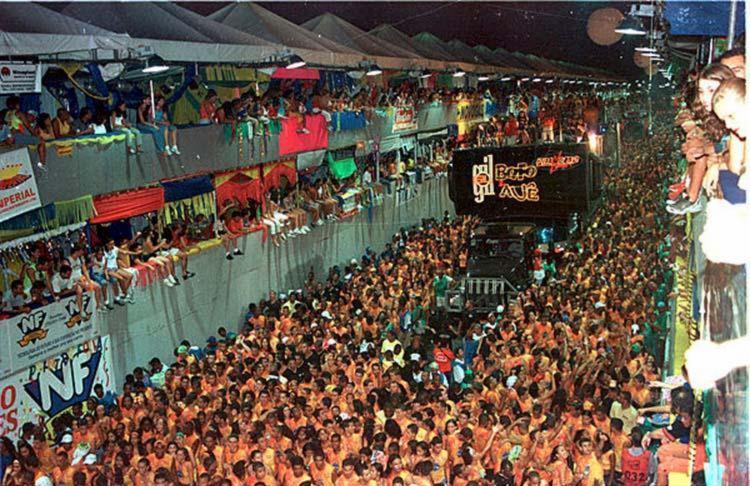 Apresentação dos blocos afro ocorrerão na Micareta de Feira - Foto: João Santana | Ag. A TARDE | 13.04.2002