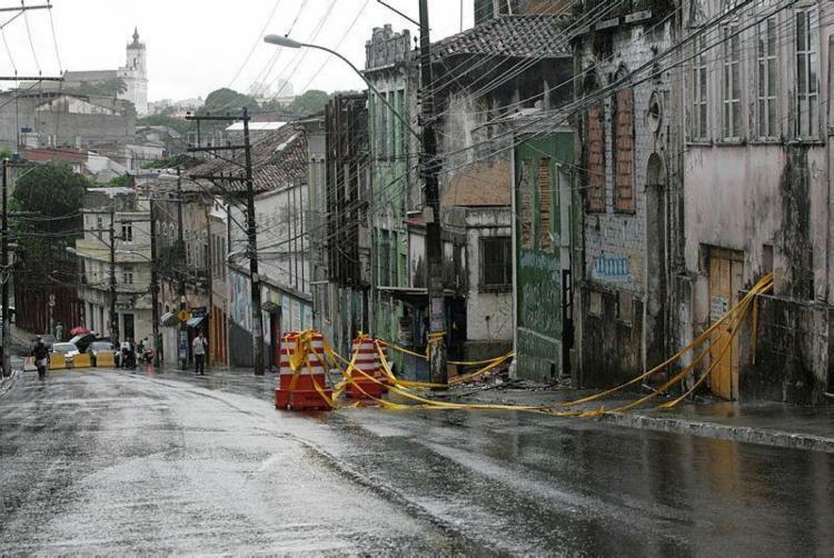 A ladeira da Soledade ficou por um tempo interditada para circulação de carro - Foto: Mila Cordeiro | Ag. A TARDE