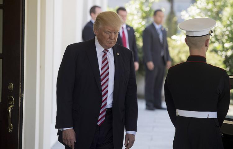 Segundo 'NYT', presidente pediu que Comey pusesse fim a inquérito sobre elo de assessor com russos - Foto: Saul Loeb l AFP