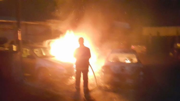 Bombeiros foram acionados por um guarda noturno - Foto: Divulgação | Corpo de Bombeiros