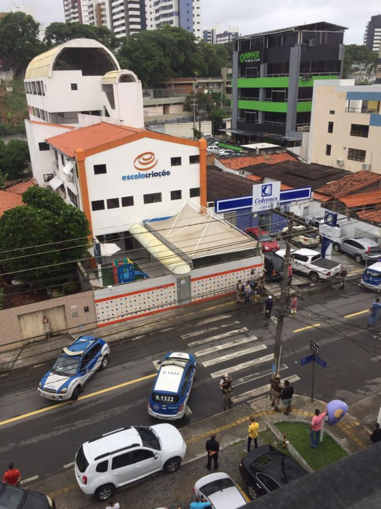 O refém ficou cerca de 1h sob a mira do criminoso - Foto: Cidadão Repórter