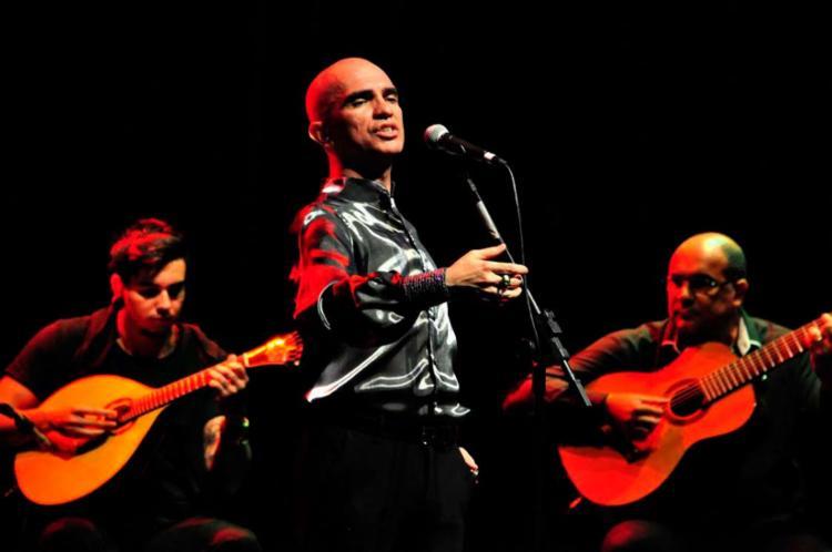 Edson Cordeiro será acompanhado pela guitarra portuguesa de Wallace Oliveira e pelo violão de Sérgio Borges - Foto: Anderson Santiago | Divulgação