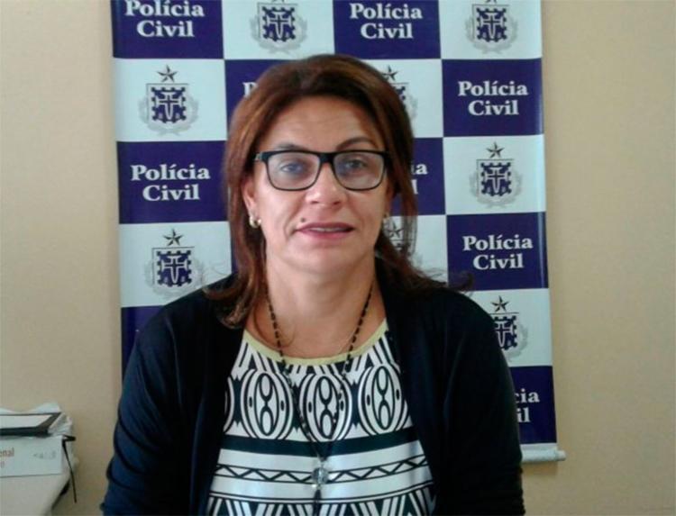 A delegada Maria Clécia Vasconcelos da Deam de Feira de Santana está atuando na Micareta com plantões de 24h - Foto: Aldo Matos | Reprodução | Acorda Cidade