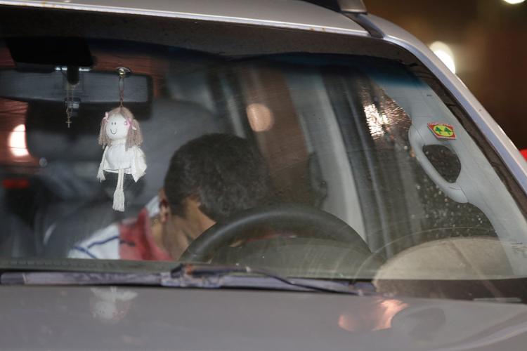 O empresário não teve qualquer chance de defesa: assassinos pararam ao lado dele em uma moto e atiraram - Foto: Mila Cordeiro l Ag. A TARDE