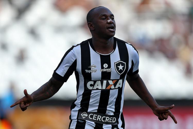 Polêmico Sassá é um dos alvos do Leão, que não balança a rede há três partidas - Foto: Vitor Silva l SSPress l Botafogo