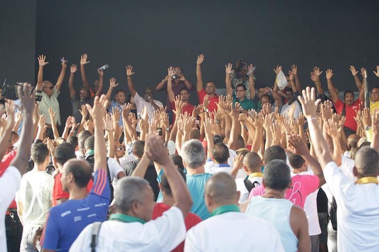 Categoria votou a favor da proposta que pôs fim ao processo que apontava para a greve - Foto: Mila Cordeiro l Ag. A TARDE