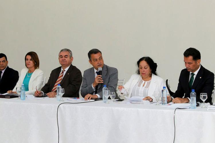 Governador Rui Costa participa de reunião do programa Pacto pela Vida, no bairro Pedra do Lorde, em Juazeiro - Foto: Pedro Moraes l Gov-BA