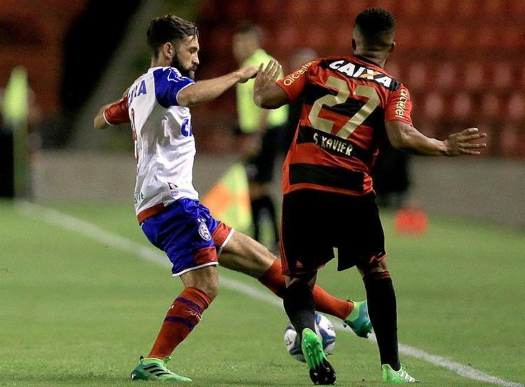 Lance do jogo de ida, 'pegado' desde o primeiro minuto - Foto: Felipe Oliveira l EC Bahia l Divulgação