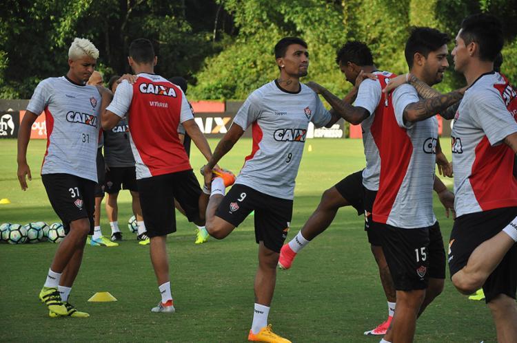 Após três semanas sem jogar, Kieza volta a participar de treino com o elenco - Foto: Maurícia da Matta l EC Vitória
