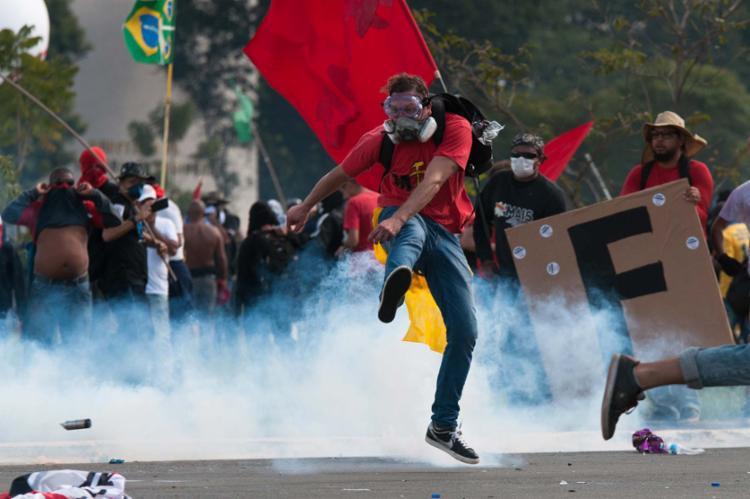 Manifestação ocorre na Praça dos Três Poderes, em Brasília - Foto: Andressa Anholete | AFP