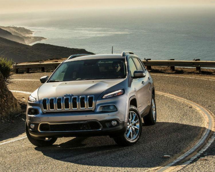 Jeep Cherokee, um dos envolvidos em recall da marca após hackeamento - Foto: Jeep | Divulgação