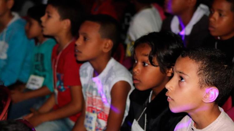 As crianças ficaram surpresas com o show circense - Foto: Divulgação | SSP