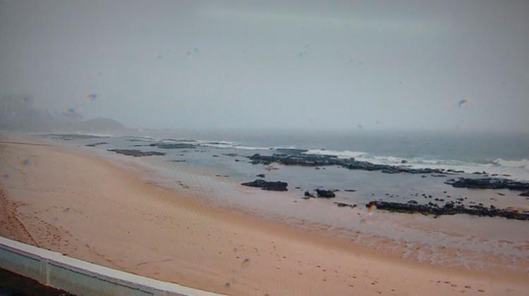 Dois adolescentes desaparecem no mar da Barra após tentarem busca bola