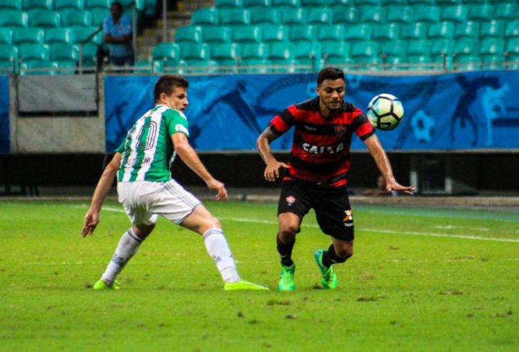 Cleiton Xavier não fez boa partida na Fonte Nova - Foto: Maurícia da Matta / EC Vitória / Divulgação