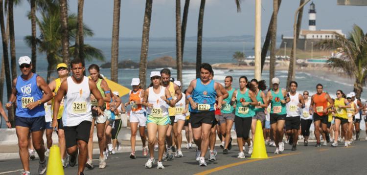 As duas corridas da Riachuelo vão começar e terminar no Farol da Barra - Foto: Carlos Casaes | Ag. A Tarde